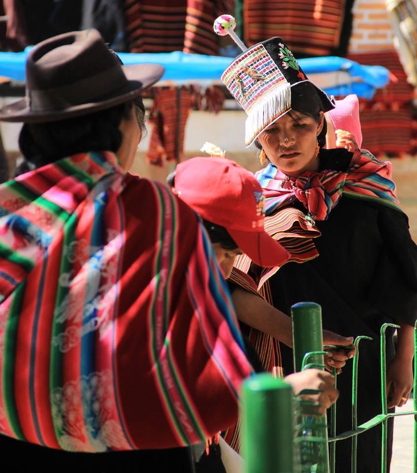 pachamama vie locale tissu traditionnel aguayo bolivie cholitas éthique responsable commerce équitable