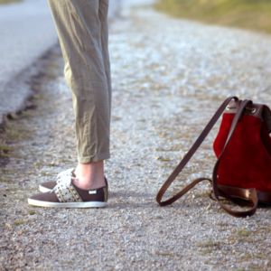 sac à dos lou rouge pachamama roadtrip chaussure n'go aventure voyage travel retro