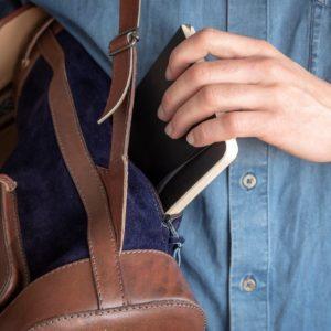 sac à dos gabi bleu nuit pachamama poche zippée arrière vintage rétro cuir