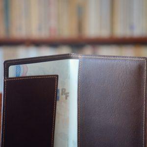 porte passeport élégant